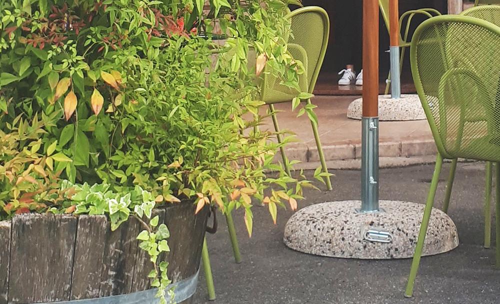 Base in graniglia per ombrelloni a palo centrale in legno