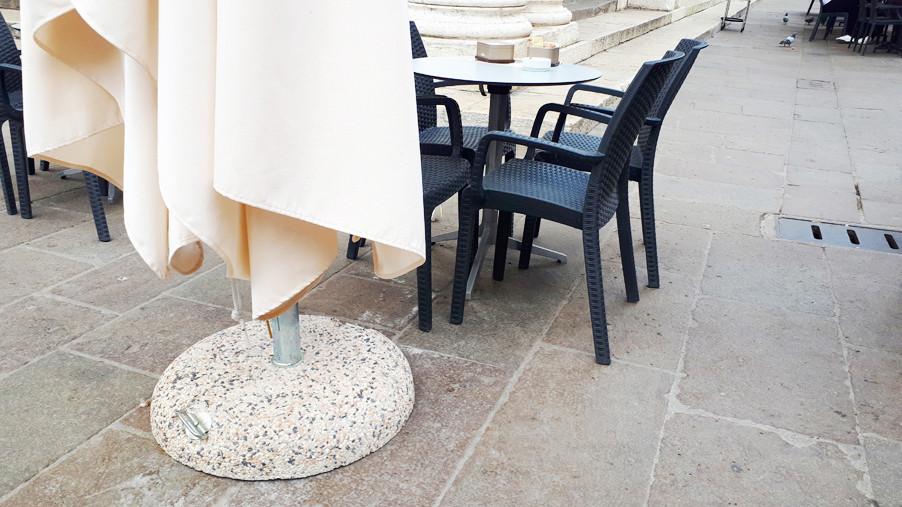 Base in graniglia per ombrelloni da giardino