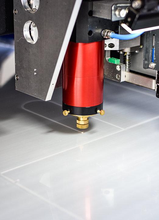 Taglio laser plexiglass Plexihouse