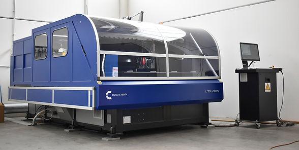 Macchina taglio laser per lavorazioni plexiglass su misura