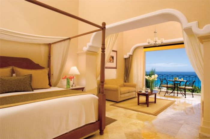 Elegant Ocean Views and Fully Furnished Balcony Await your Guests