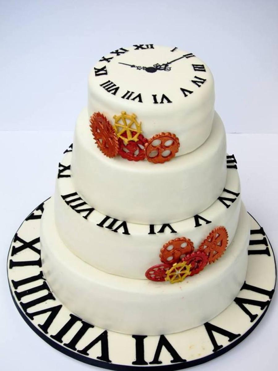 681576HF5q_clock-time-wedding-cake_900
