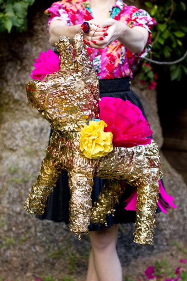 DIY-Gilded-Donkey-Pinata