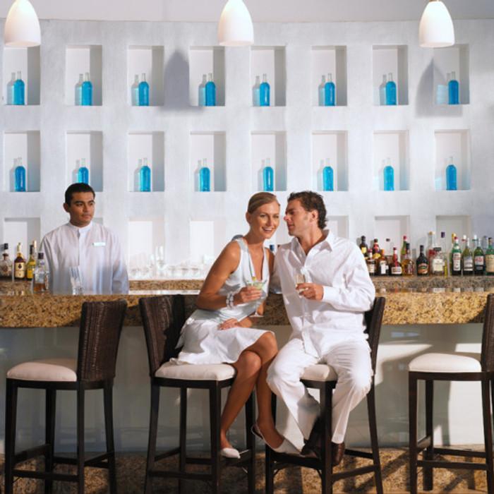 Lobby Bar Le Blanc Resort and Spa