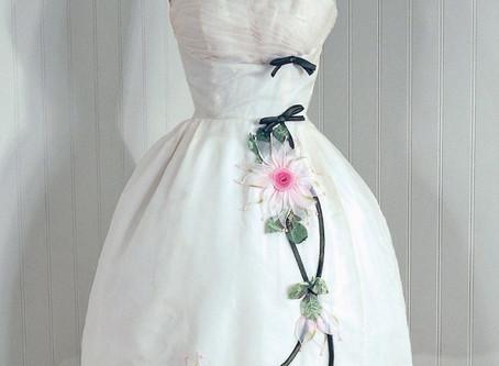 Add Vintage Elements To Your Destination Wedding