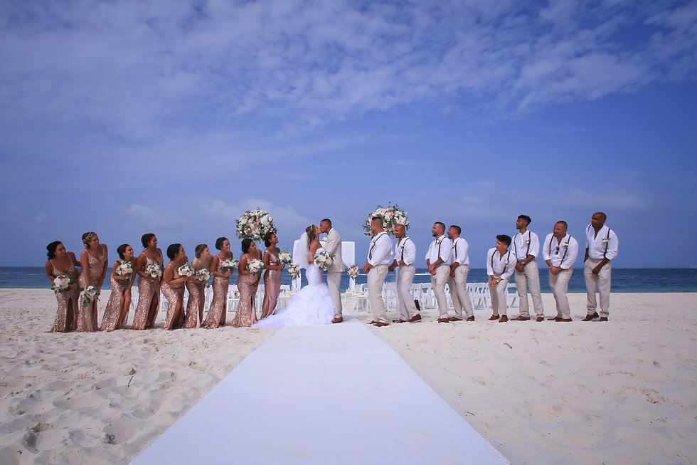 Large destination wedding on the beach in Mexico