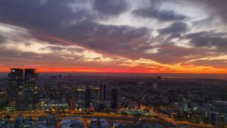זריחה מעל תל אביב