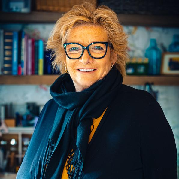 Karen Hogarth