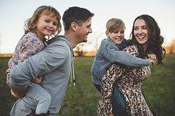 איך לגדל ילדים והורים מאושרים