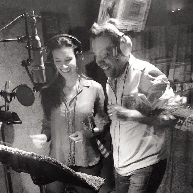 Omar y Argelia Cantando