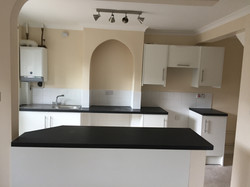 Fitted kitchen & Tiling