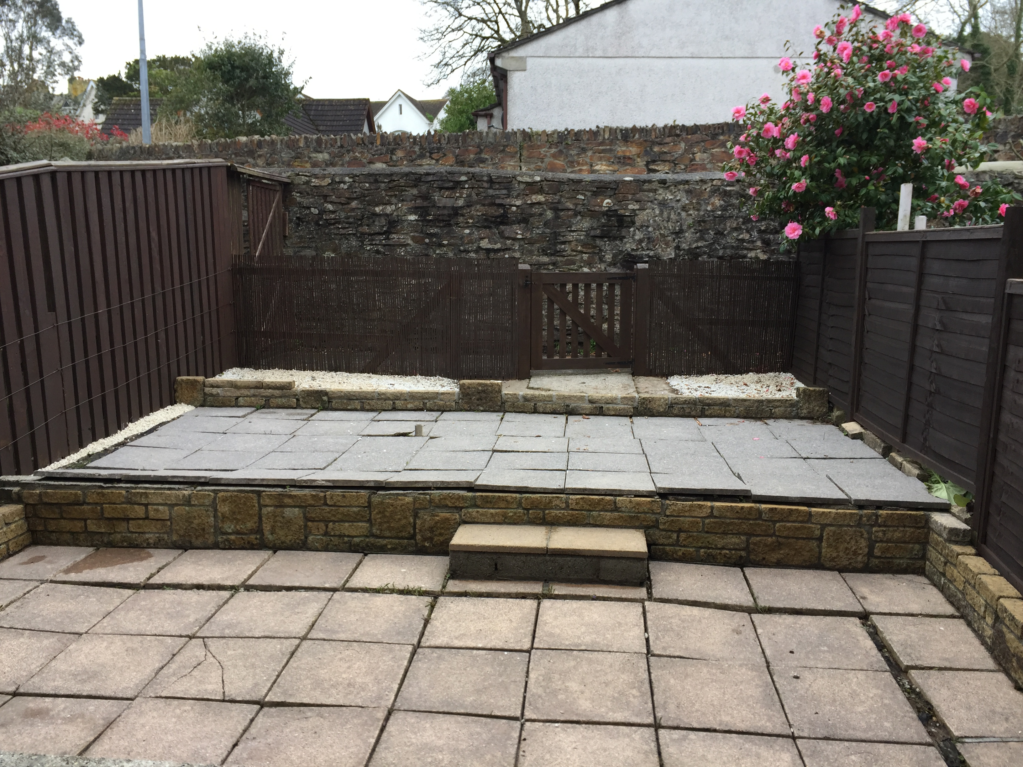 De-weeding & powerwash