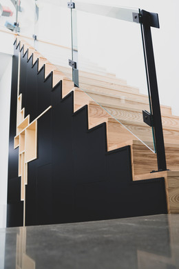 Escalier moderne noire