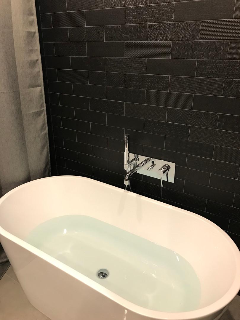 Matériau salle de bain neuve