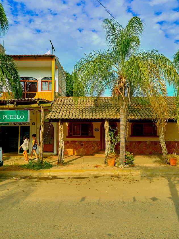 Puertovallarta0438-clr.jpg