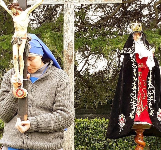Vida contemplativa; religiosas; freira; oración; preghiera; SSVM; IVE; monasterio; clausura; Dios; Dio; alegria; Virgen de Luján; consagradas; monja; claustrale;