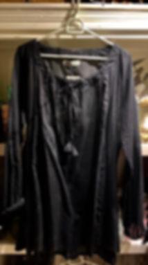 sort-bluse-lange-ermer.jpg