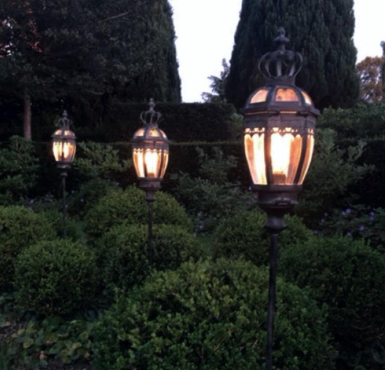 Led-Lanterner på spyd