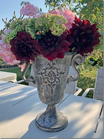 metal-vase.png