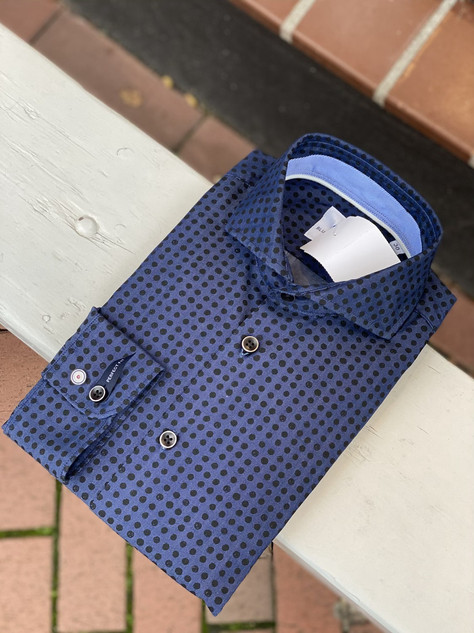 124. Blue Industry shirt LM €89,95