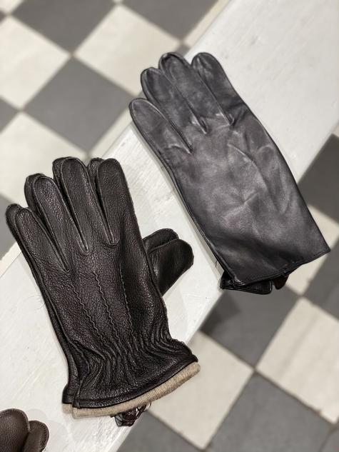 Handschoen bruin €79,95 / leer zwart €99,95