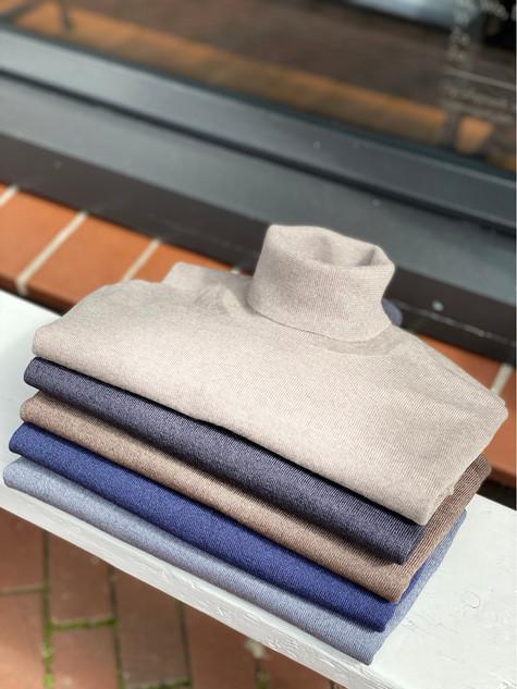 421. Viadeste pullover col €129,95