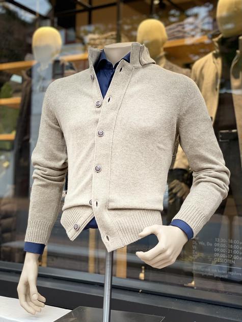 416. Viadeste vest €279,95