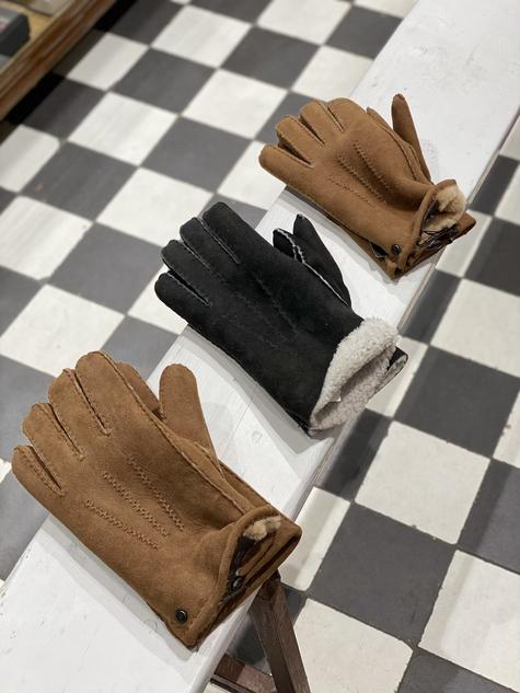 Handschoen suede bruin €109,95 / zwart €129,95