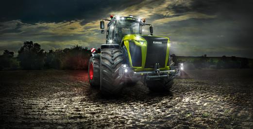 Claas XERION 5000 Traktor Fotograf Stephan Bayer