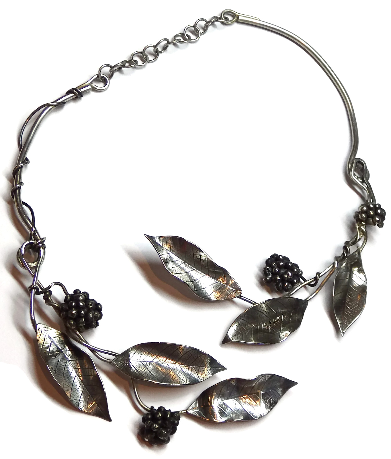 Leaf and Berry Collar