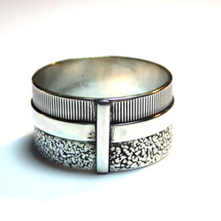 Geo Ring with band