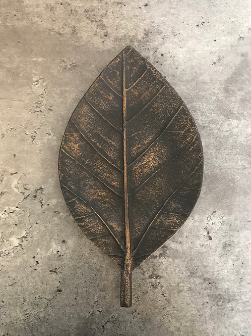 Leaf trinket