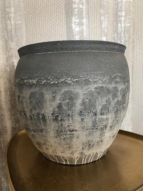 Round pot grey