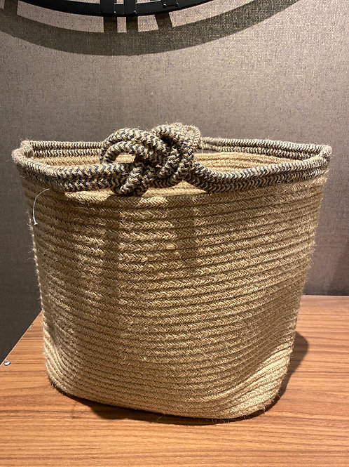 Knot handle basket