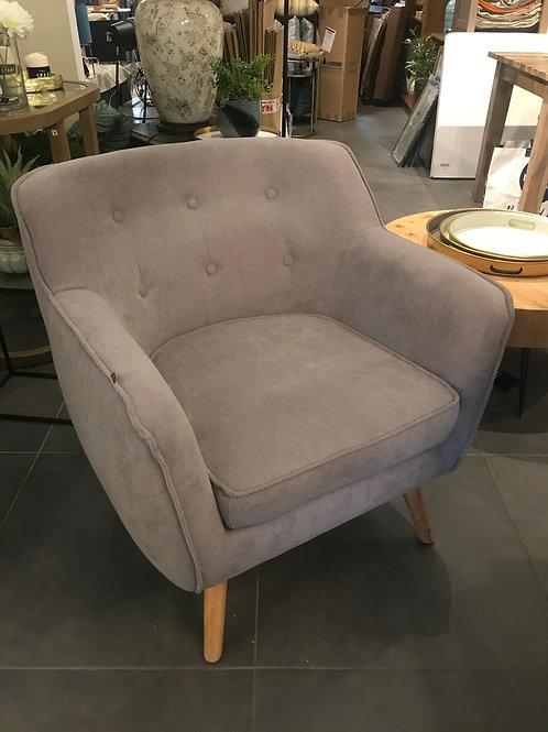 Maestro armchair
