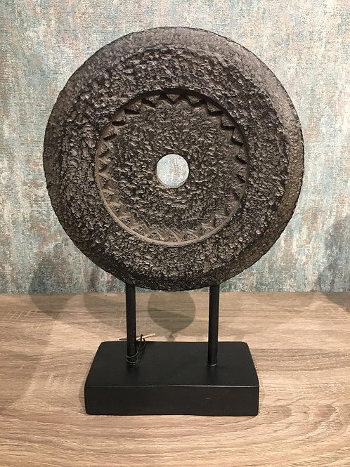 Resin stone circle on stand