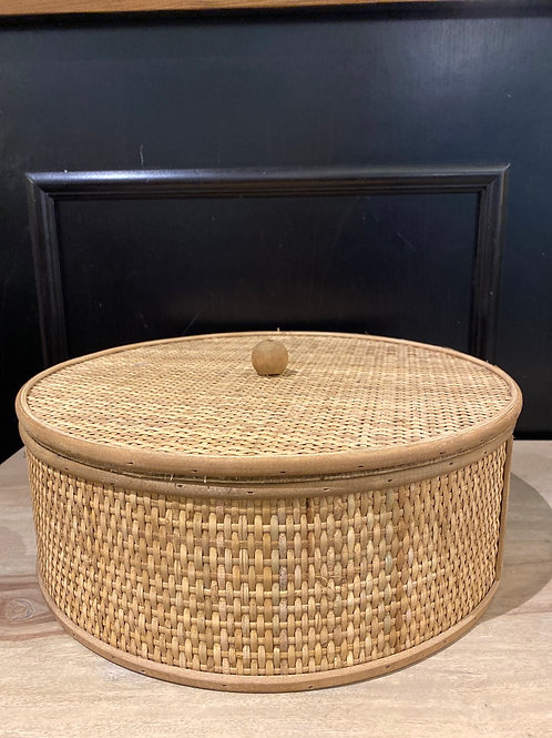 Wicker canister