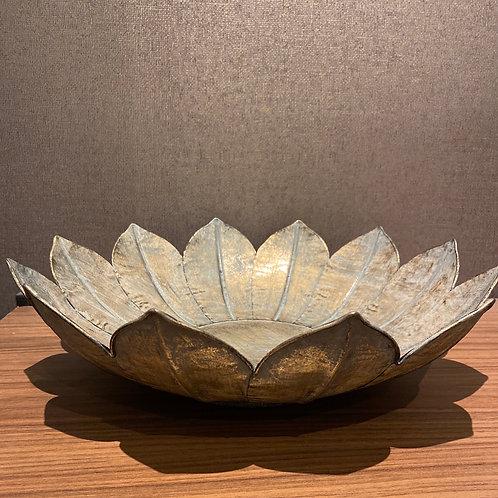 Metal lotus bowl