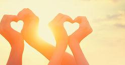 love-image-5260x2679-heart-hands-5k-1526