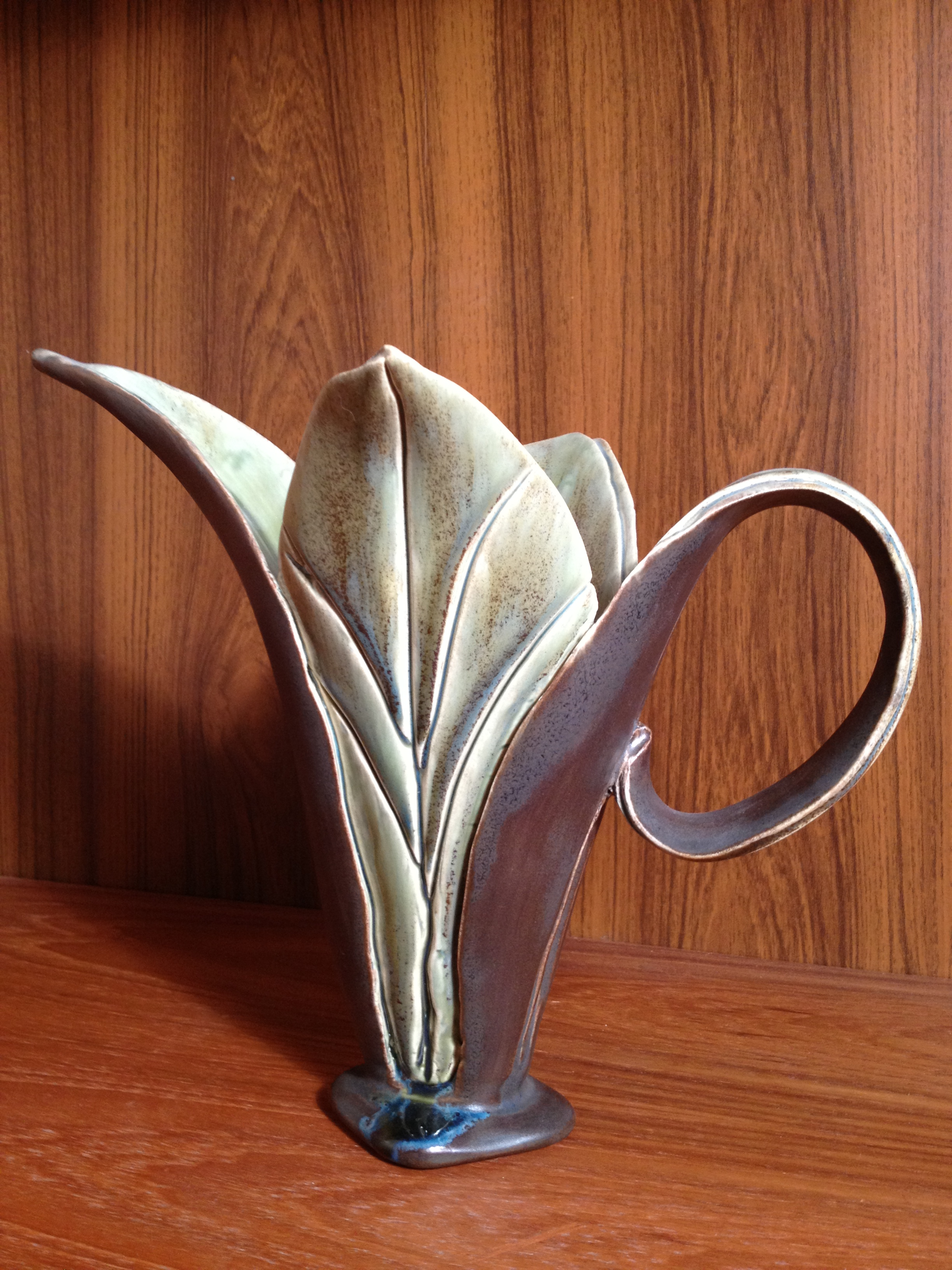 Leaf Pitcher