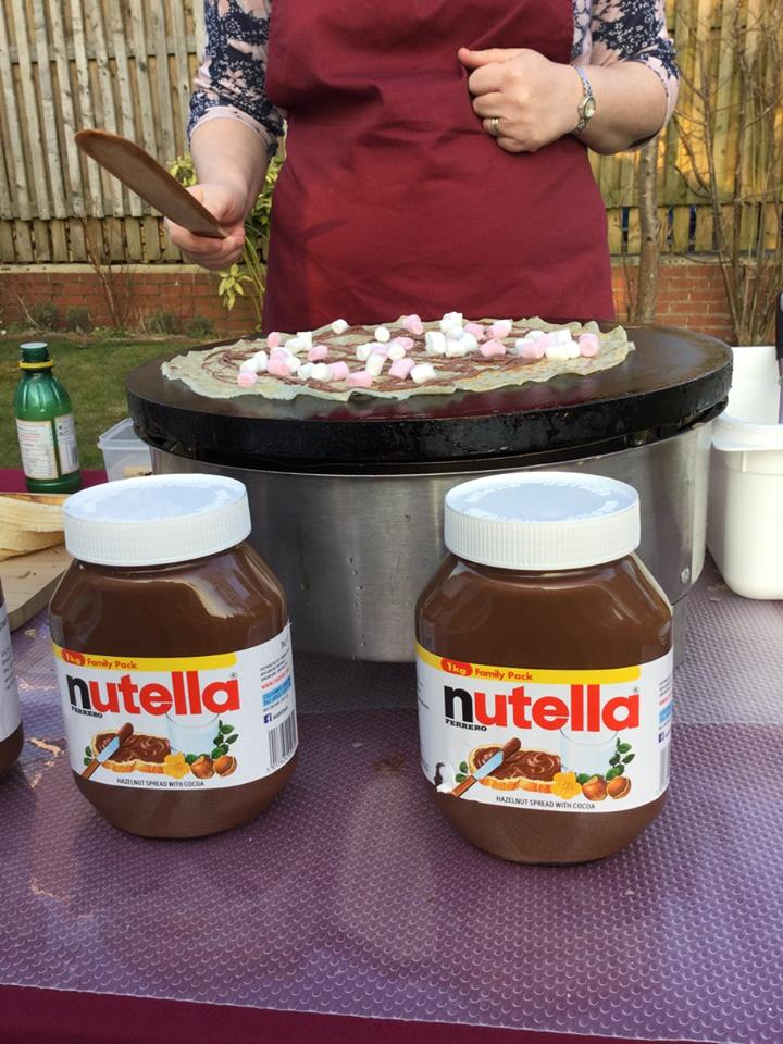 Nutella & Marshmallow Crêpe Cooking