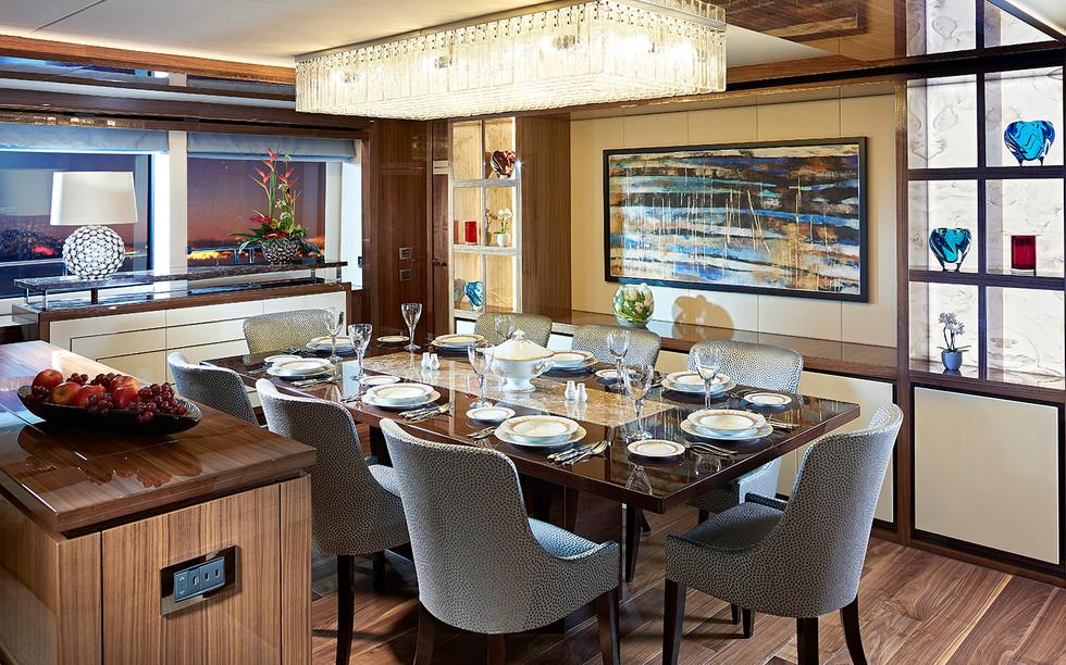 Dining_2433733v420.jpg