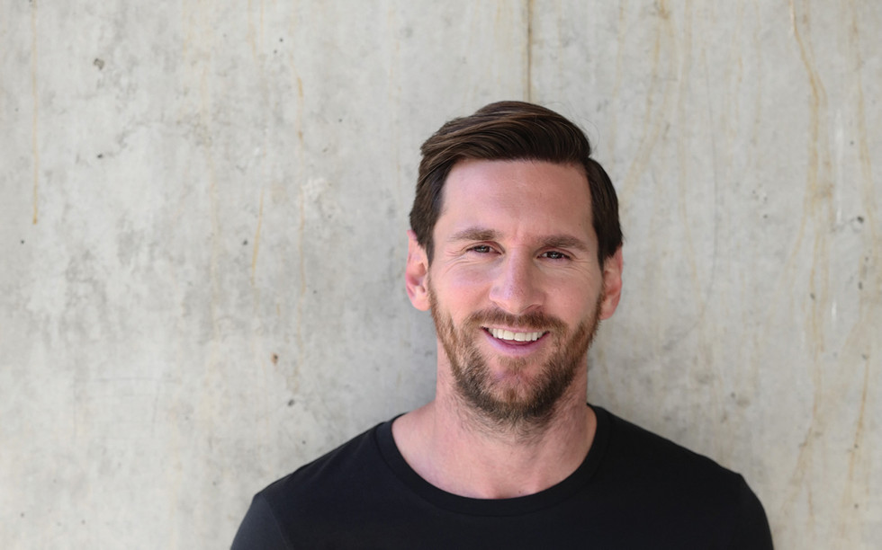 Lionel Messi on set for OTRO (image by G