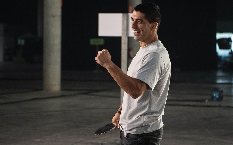Luis Suarez on set for OTRO (photo by Da
