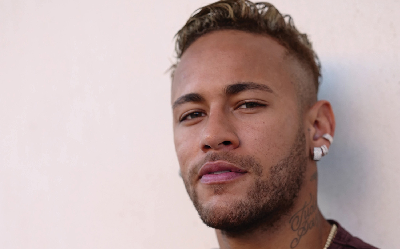 Neymar Jr on set for OTRO (image by Greg