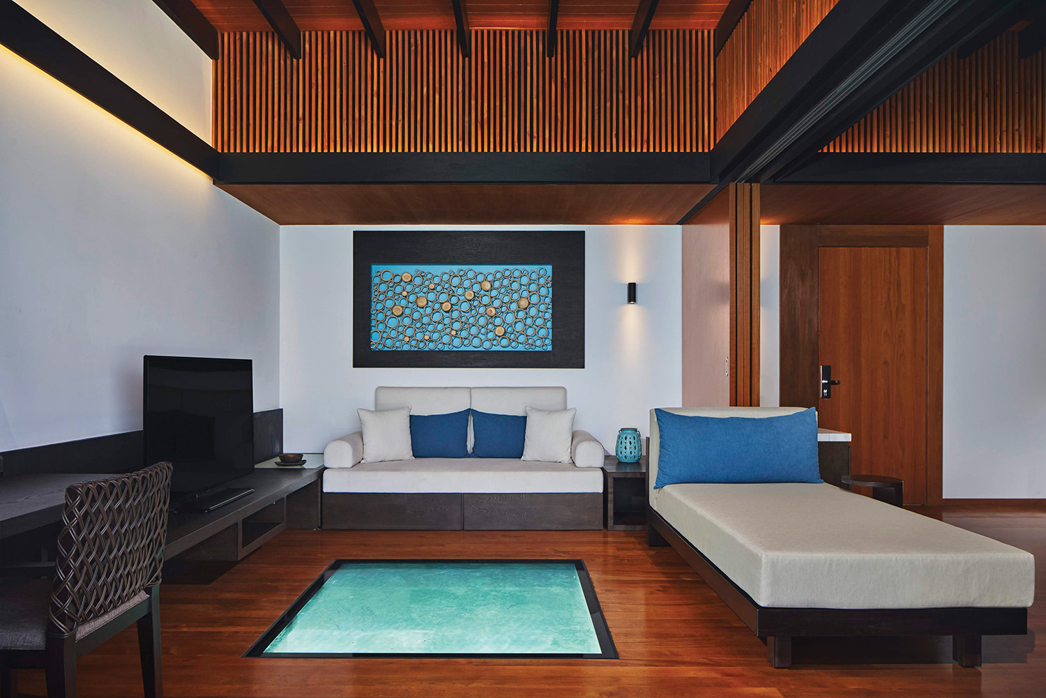 The_Westin_Maldives_Overwater_Suite_Inte