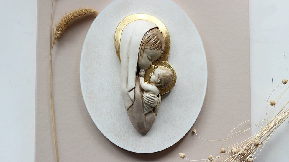 Virgen madre rosa con pan de oro