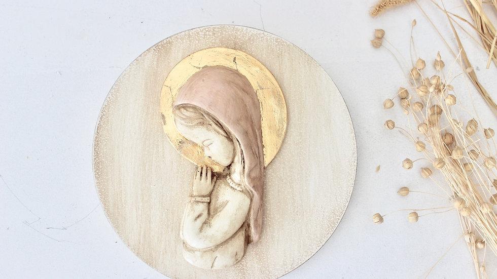 Virgen niña rosa y pan de oro