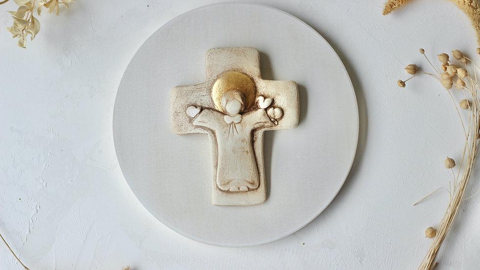 Cruz neutra con pan de oro