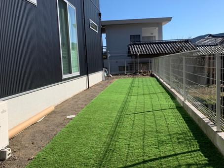 人工芝敷きました🙌